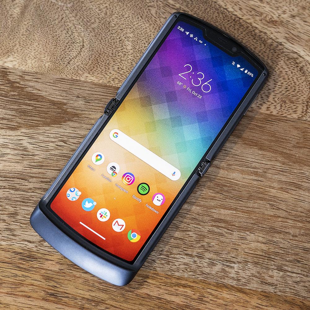 Motorola Razr (2020) review: 5G folding flip phone feels fine - Information Technology News